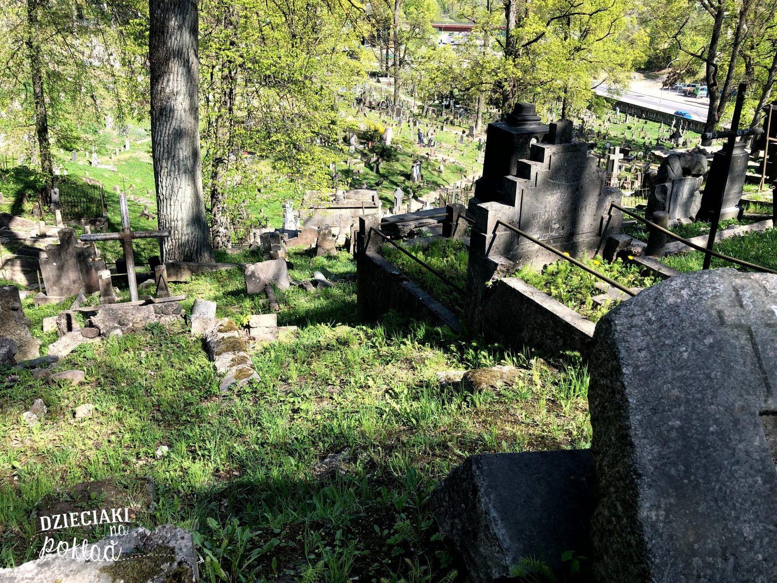 Litwa - Wilno, cmentarz na Rossie