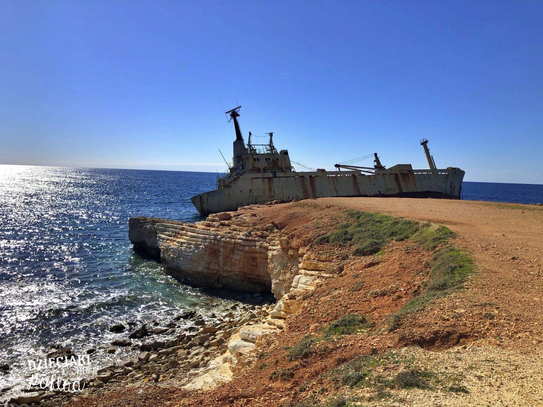 wrak w okolicach Pafos - Cypr zimą