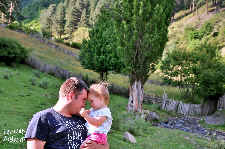 Podróże z dziećmi- Mestia, Gruzja